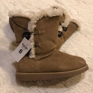 Mossimo Faux Fur Lined Winter Boots! (Size 6)